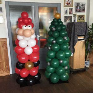 Kerstman en Kerstboom van ballonnen